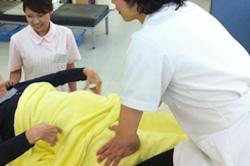 怪我の状態の把握や腫れや熱を持っているかなどを国家資格を所持しているスタッフが 診断いたします